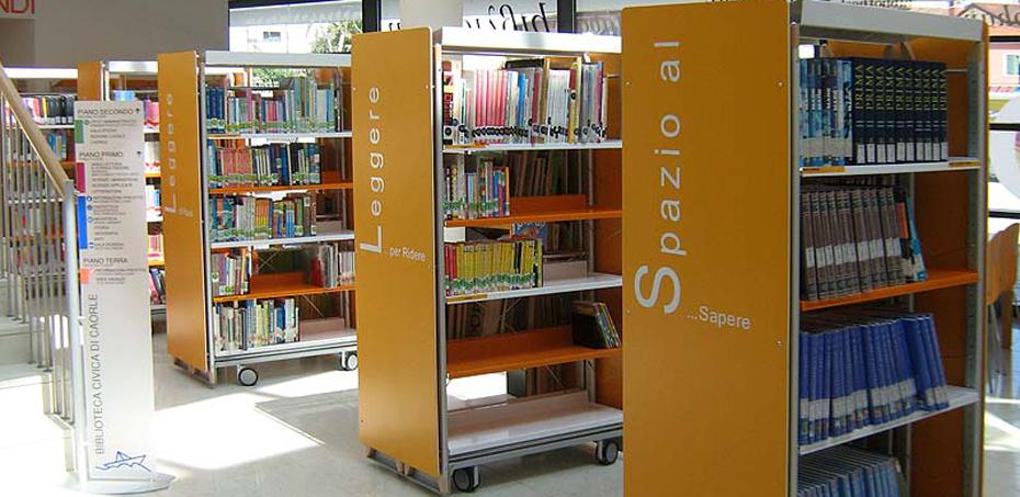 Scaffalature Per Biblioteca.Arredi E Scaffalature Per Biblioteca E Sala Lettura